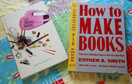 SouleMama: making books: www.soulemama.com/soulemama/2007/11/making-books.html